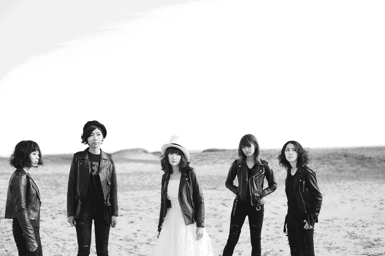 Drop's [L→R] 奥山レイカ(Dr)・石橋わか乃(Key)・中野ミホ(Vo&G)・荒谷朋美(G)・小田満美子(B)