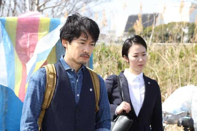 竹野内豊(左)と黒木華 (C)フジテレビ