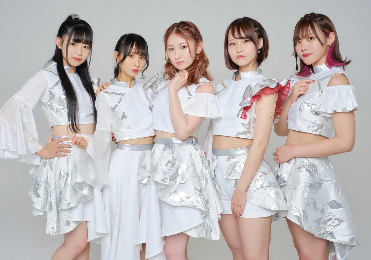 L→R 斉藤春香、椋木芽瑠、釆澤彩香、大塚美青、佐倉リイナ