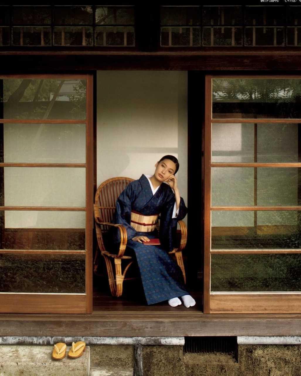 忘れかけていた日本の美。大政絢の色気漂う着物姿に釘付け
