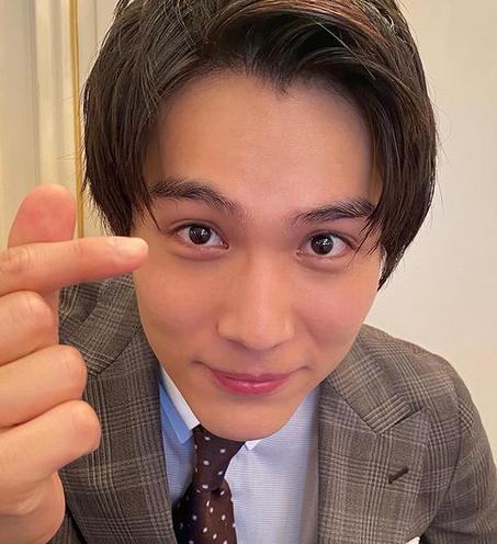 中川大志、鈴木伸之と見つめ合うイケメン2ショットに「ありがとうございます!」