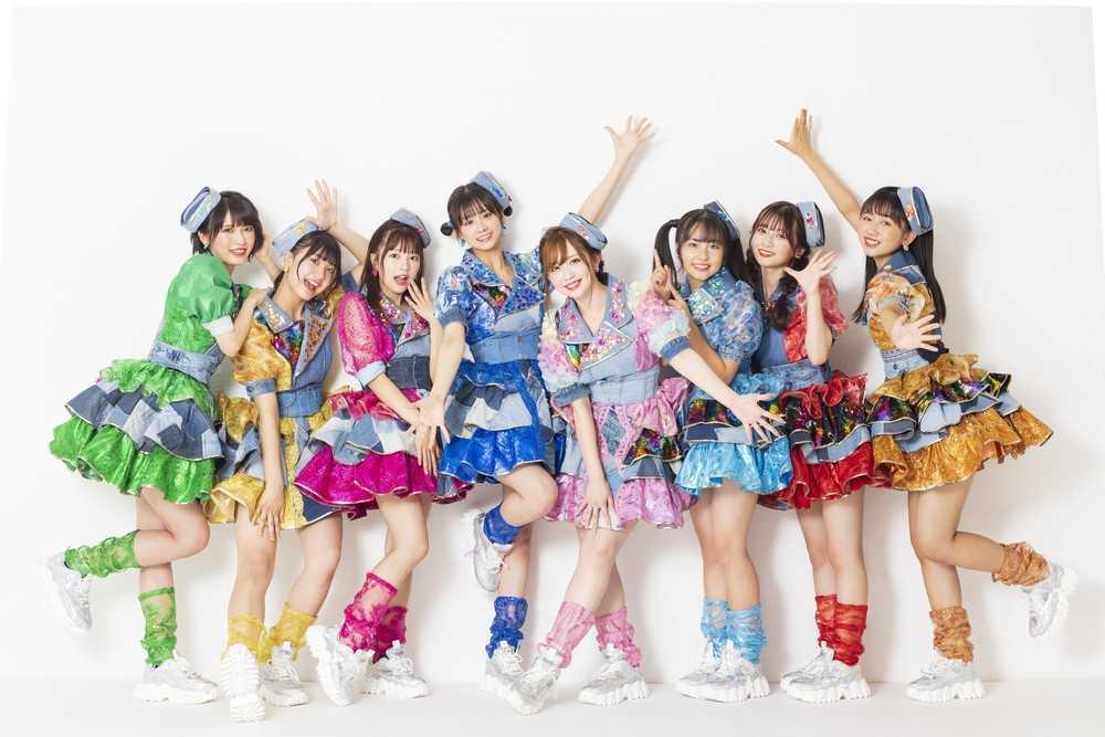 アイドルグループ・LinQ 地元福岡の商店街とコラボ! 元気度満点の新曲で新天町を盛り上げる