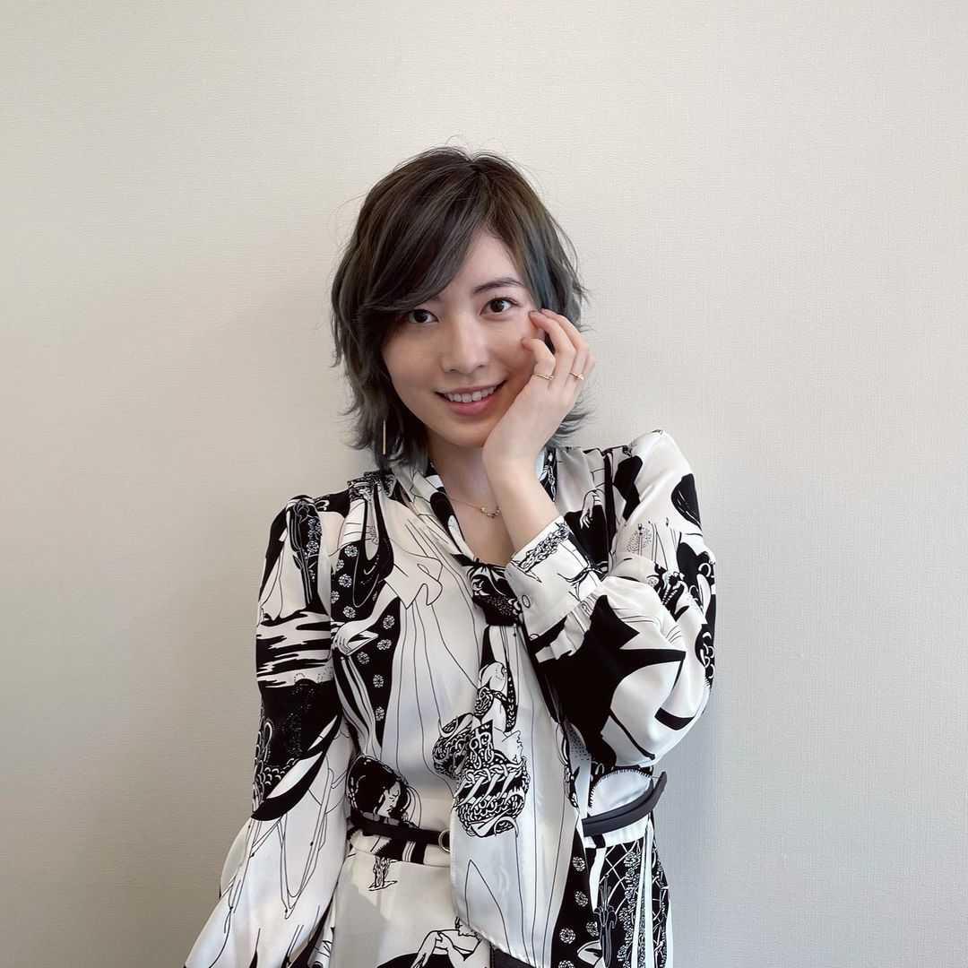"""松井珠理奈、ニューヘアーは""""濃いめのピンクちゃん"""""""