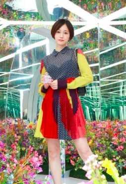 前田敦子、H&Mのスペシャルなコラボを完璧に着こなす!