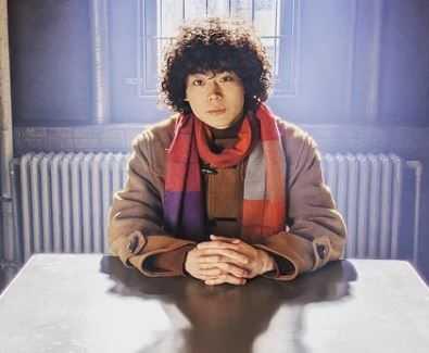 菅田将暉、「ミスなか」でカレー作り。エプロン姿でも溢れる魅力