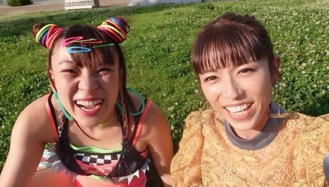 若槻千夏&フワちゃん、巨大な鼻をほじる?笑いを届ける天才コンビ