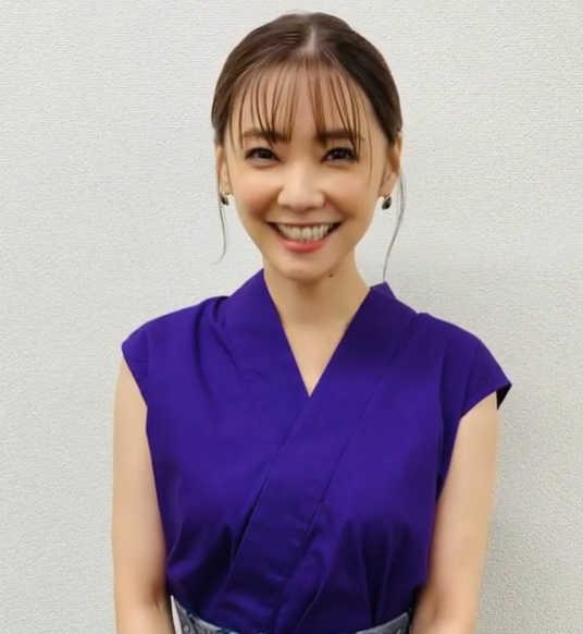 倉科カナ、anan発売日に撮影オフショットではにかみ笑顔!可愛くてセクシーを体現!