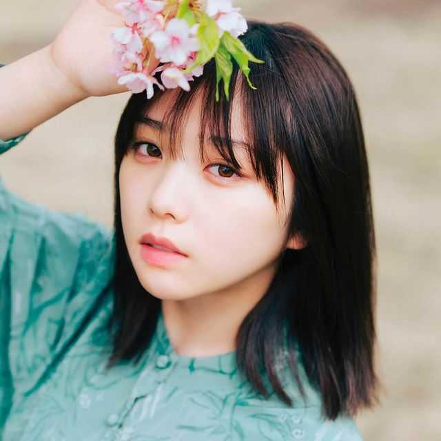 乃木坂46・与田祐希、キメ顔指差しポーズも美少女感が勝っている!