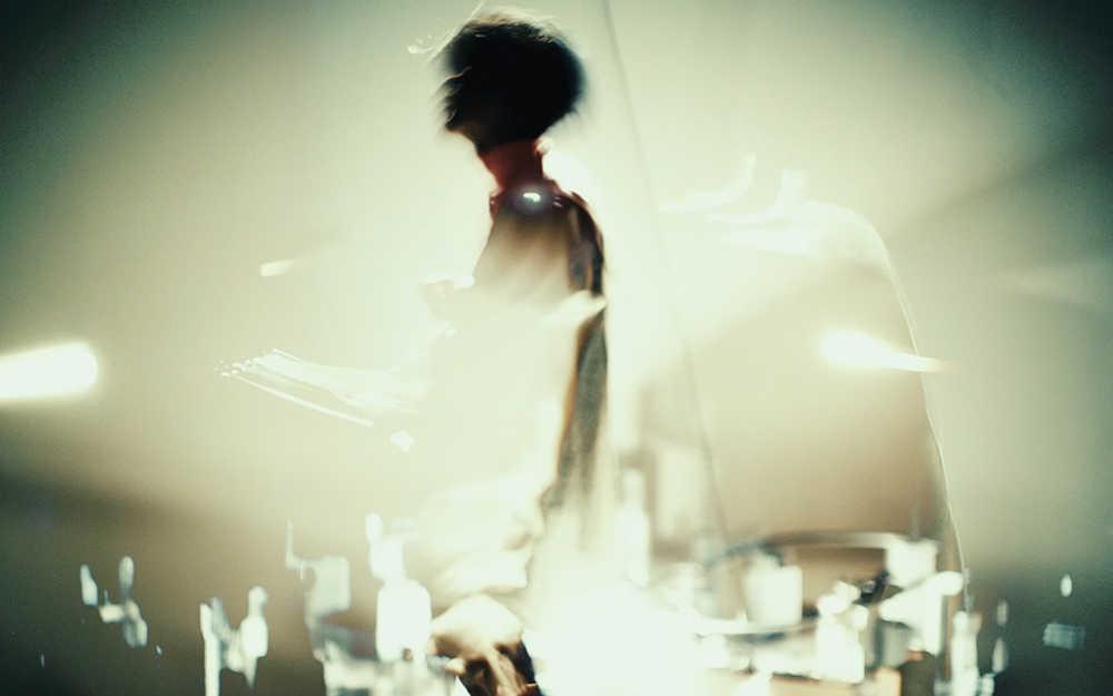 「Super bloom (with 阿部芙蓉美)」MV