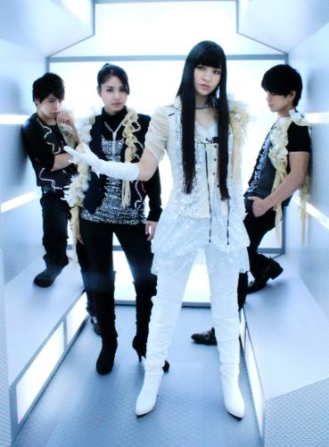 2年ぶりのシングルが「甘城ブリリアントパーク」OPテーマに決定したAKINO with bless4