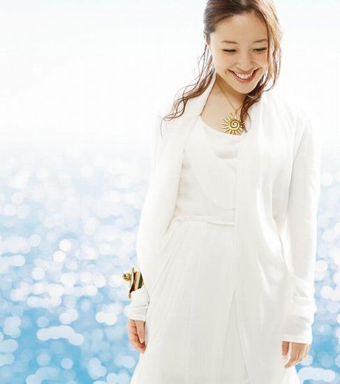 新曲「Ave Maria!〜シューベルト〜」をリリースする平原綾香