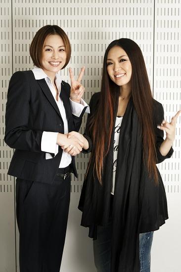 女優・米倉涼子との対面を果たした傳田真央(写真右)