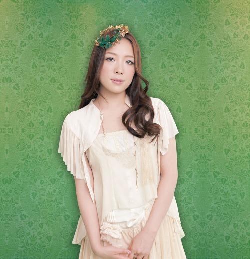 クラシック・カヴァー・アルバム第3弾の発売が決定した平原綾香