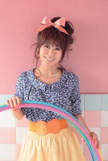 数々の名作アニメの主題歌やテーマソングで人気のシンガー・米倉千尋