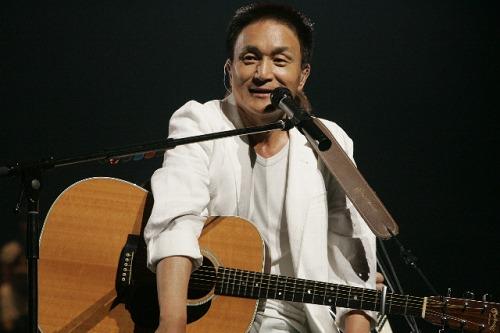 小田和正、2011年のツアー日程を発表 Listen Japan